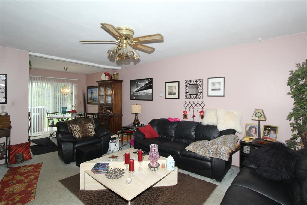 Living Room for 3778 Autumn Rd Elsmere, KY 41018