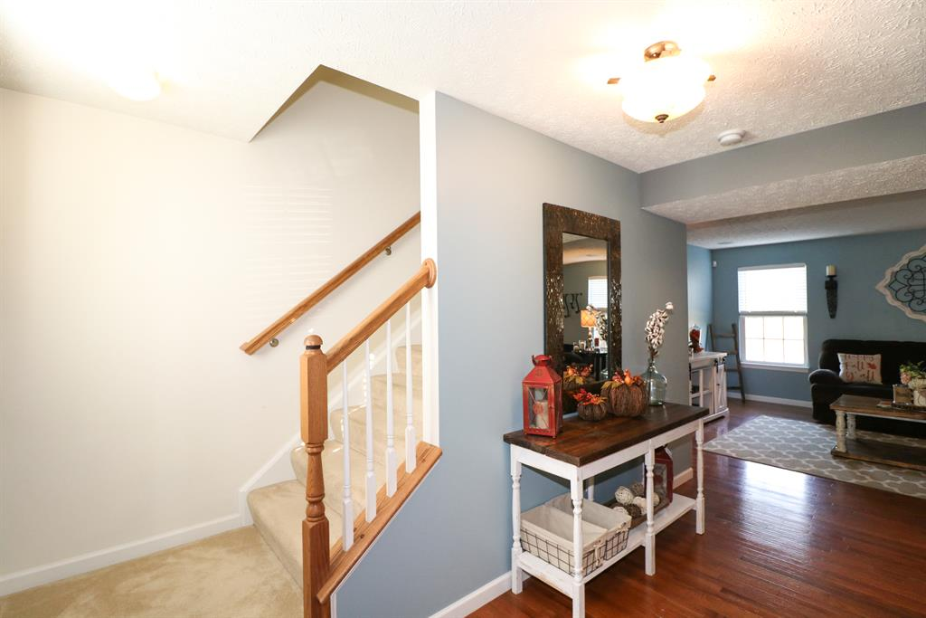 Foyer for 938 Ally Way Independence, KY 41051