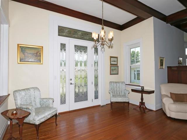Foyer for 253 S Grand Ave Fort Thomas, KY 41075