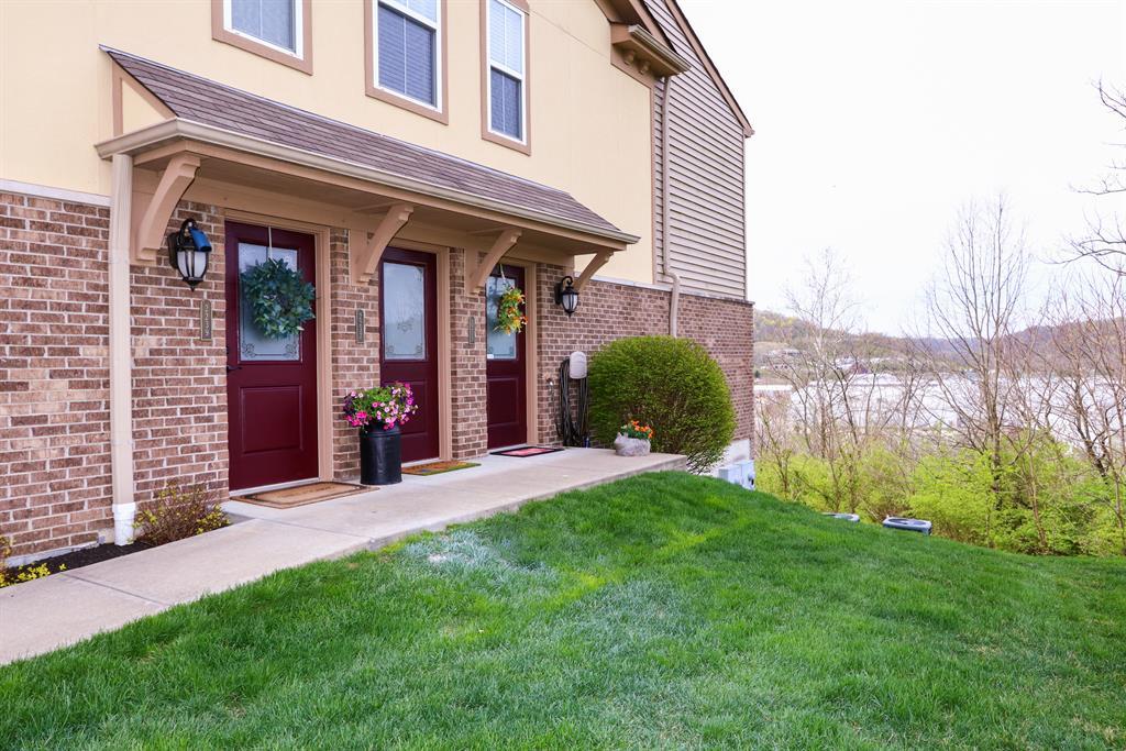 Entrance for 2239 Rolling Hills Dr Covington, KY 41017
