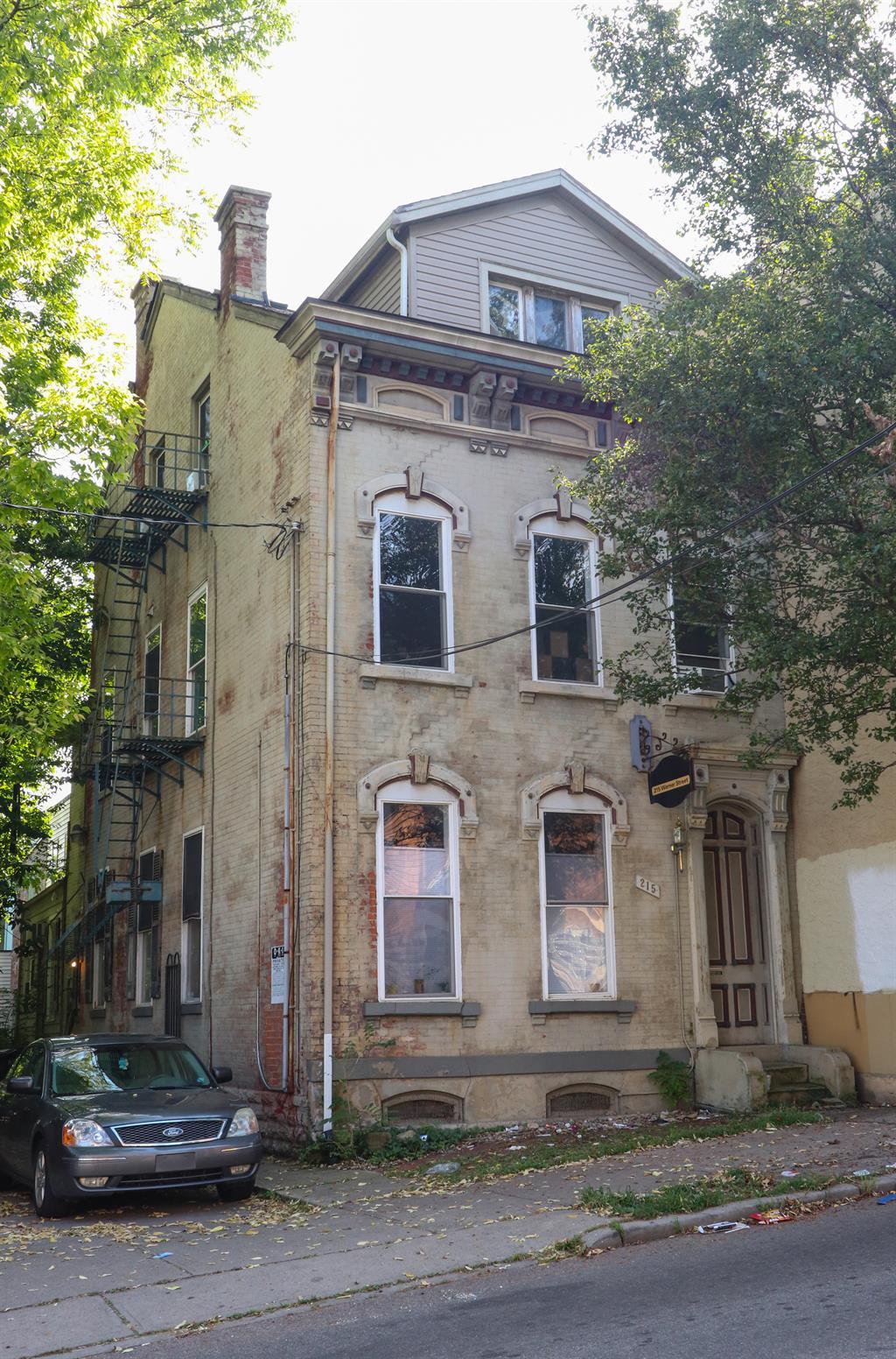 215 Warner St
