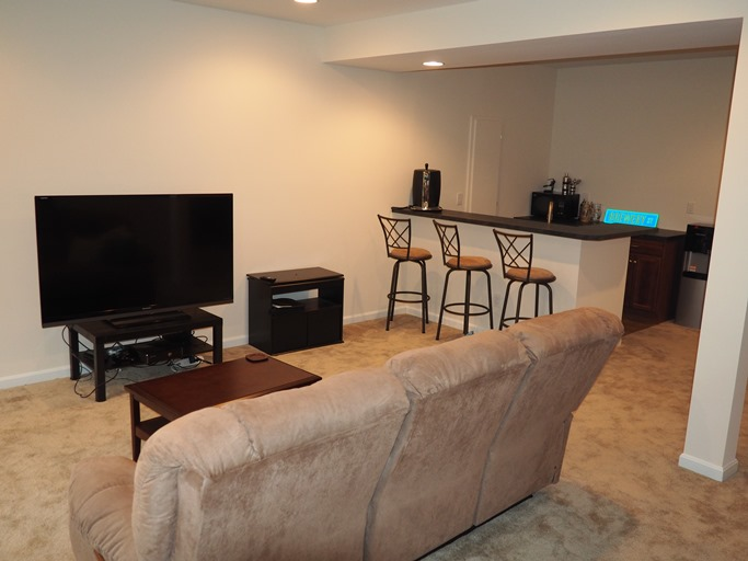 Family Room for 2048 Michigan Ave Dayton, KY 41074