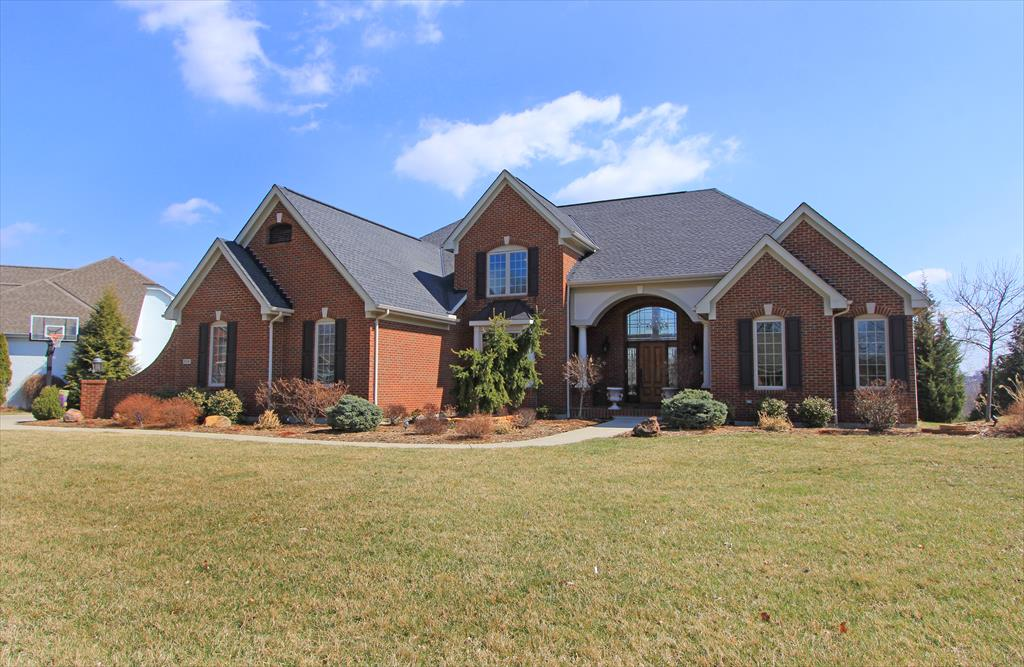 Exterior (Main) for 819 Pointe Dr Villa Hills, KY 41017