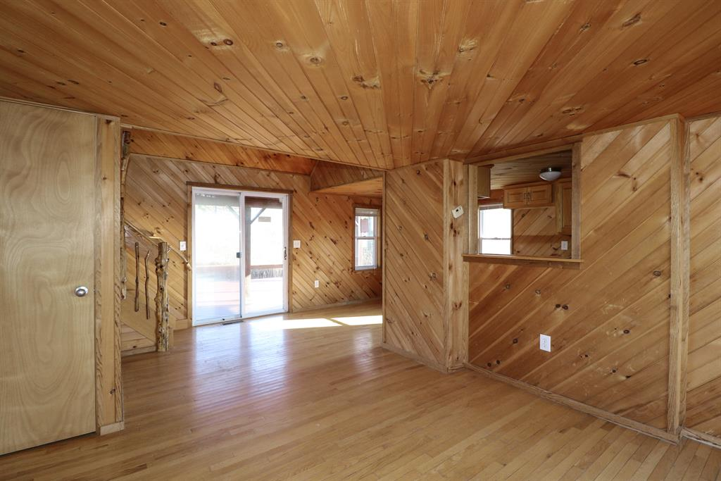 Living Room image 2 for 15988 Grassy Creek Rd Demossville, KY 41033