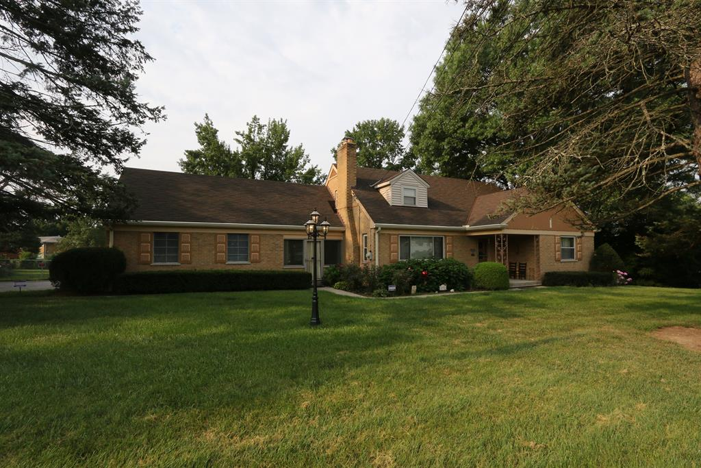 2711 Banning Rd Groesbeck, OH