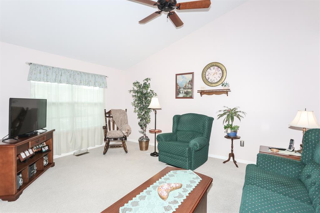 Living Room for 6389 Deermeade Dr Florence, KY 41042