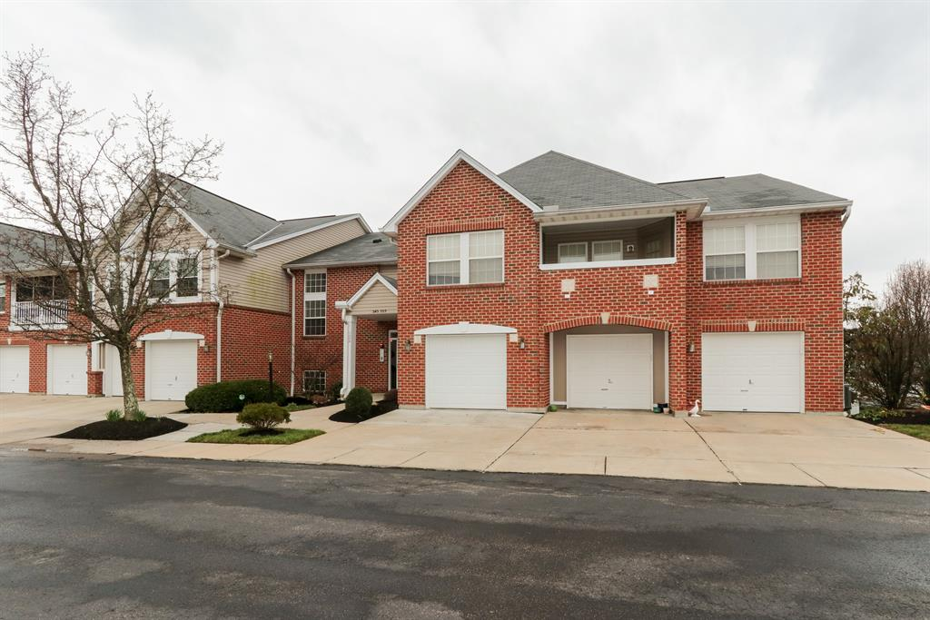 Exterior (Main) 2 for 555 Fawn Run Dr Highland Heights, KY 41076