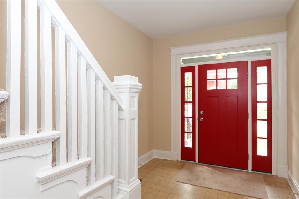 Foyer for 214 Byrd St Covington, KY 41011