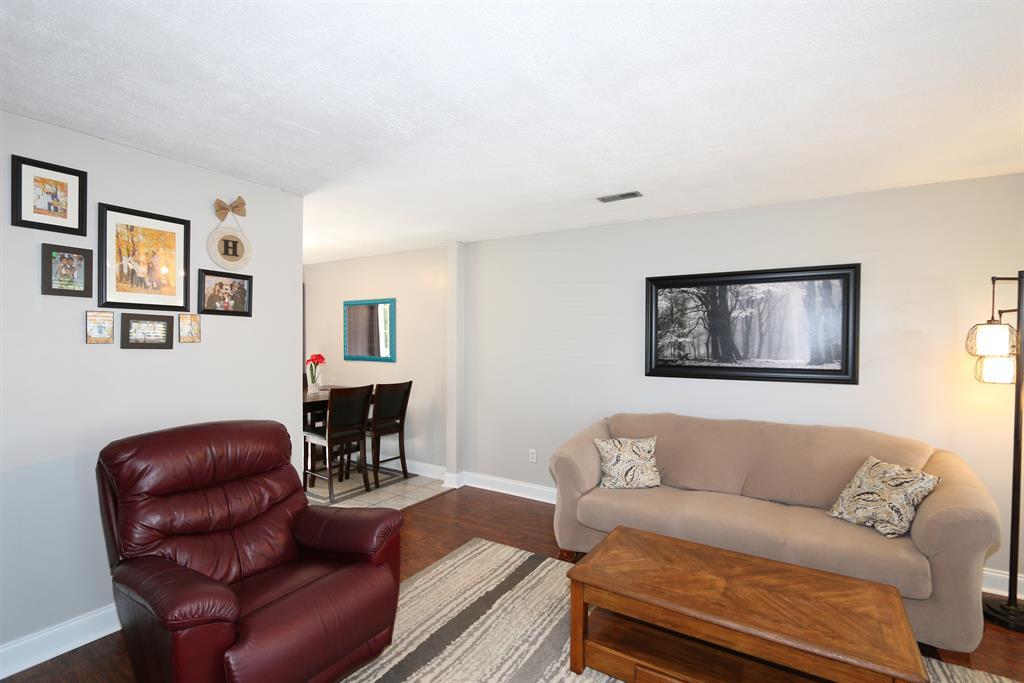 Living Room for 3625 Jacqueline Dr Erlanger, KY 41018