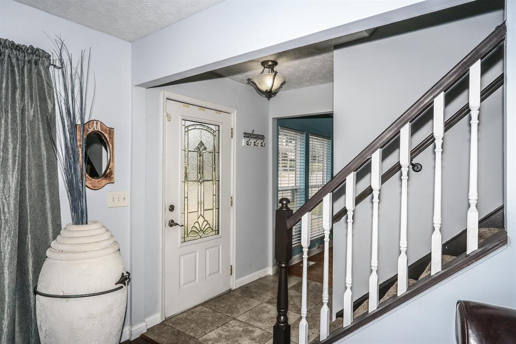 Foyer for 745 Lakefield Dr Independence, KY 41051