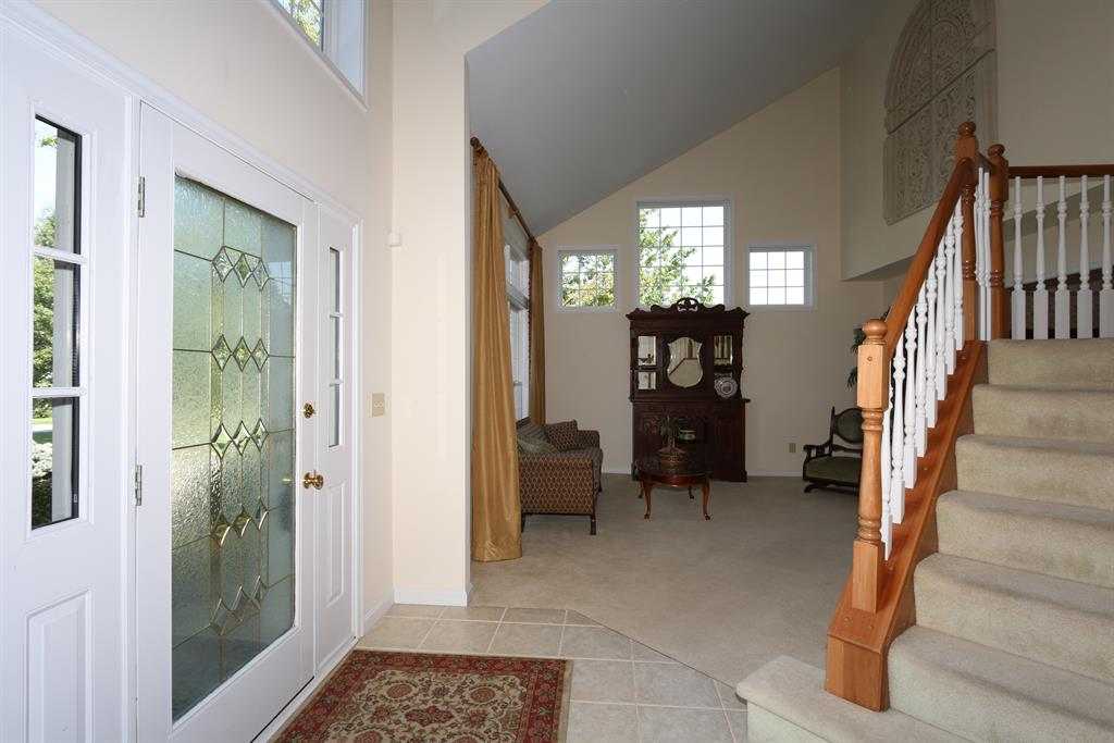 Foyer for 2245 Hawes Dr Hebron, KY 41048