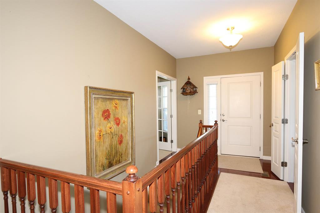 Foyer for 2372 Paragon Mill Dr Burlington, KY 41005