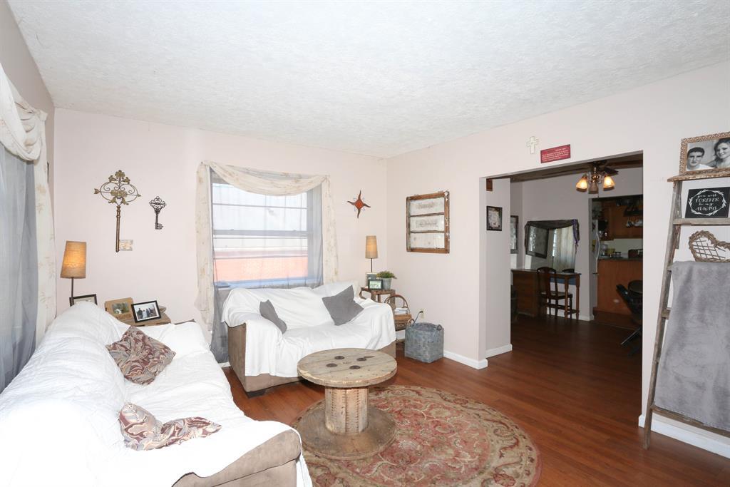 Living Room image 2 for 112 Mill St Butler, KY 41006