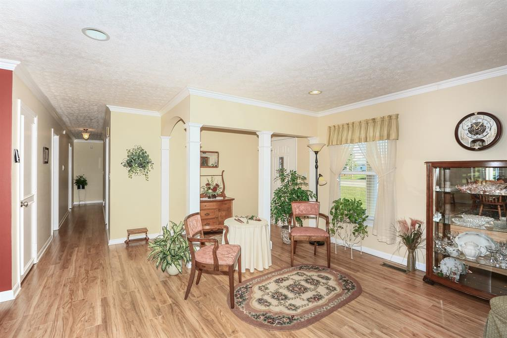 Foyer for 1069 N Bend Rd Hebron, KY 41048