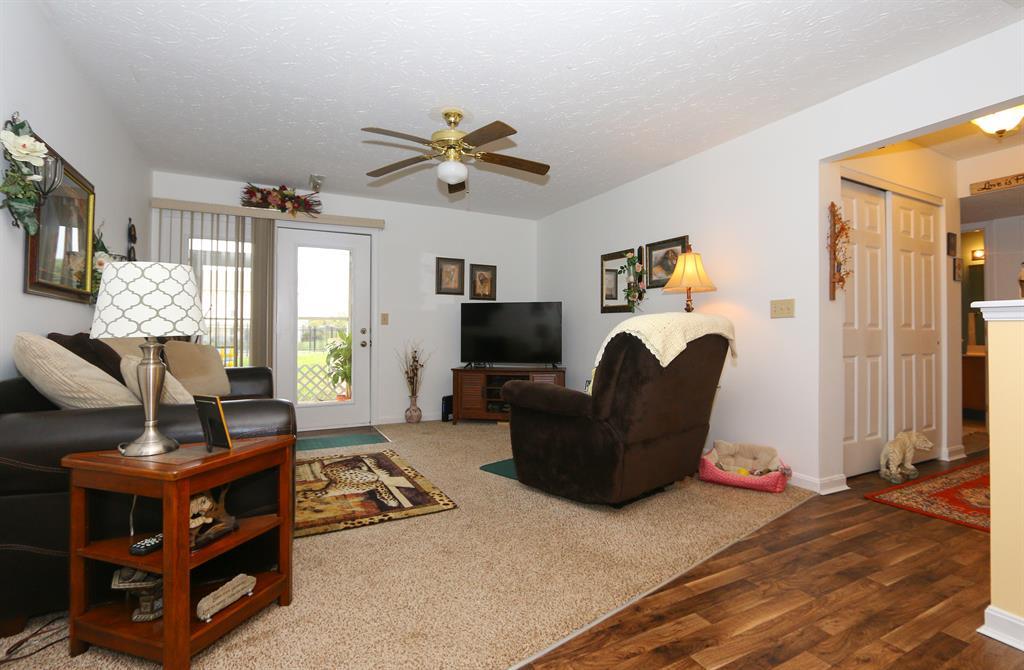 Living Room for 10559 Lynn Ln, 3 Alexandria, KY 41001