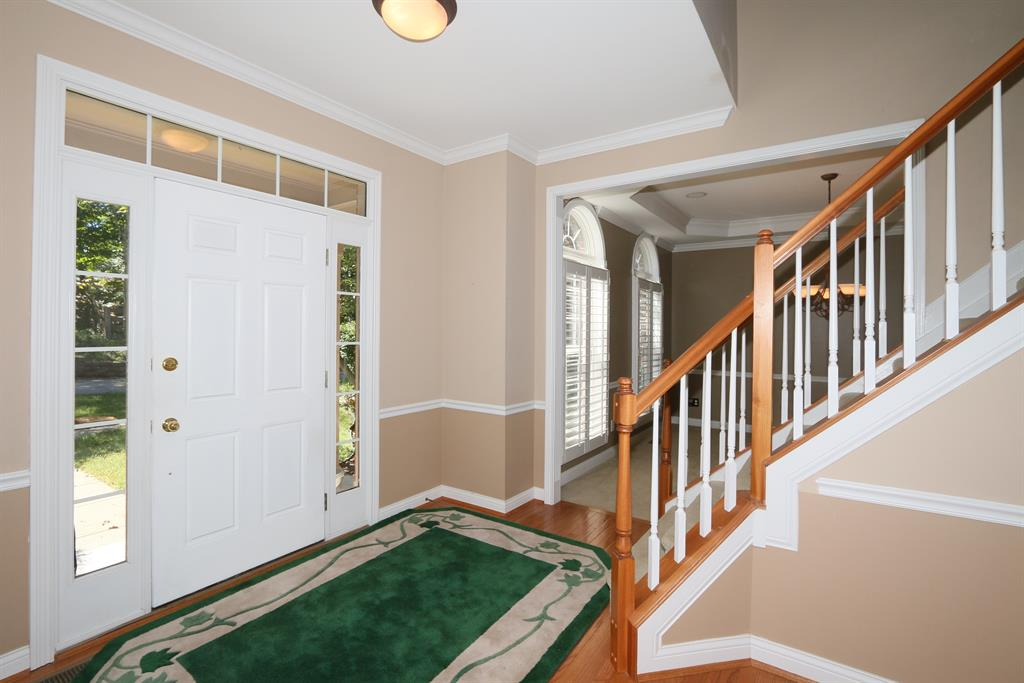Foyer for 567 Savannah Dr Walton, KY 41094