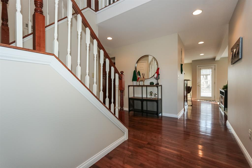 Foyer image 2 for 26405 Klare Crossing Guilford, IN 47022