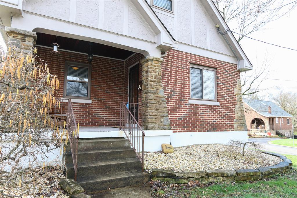 Entrance for 20 Henry Clay Ave Fort Wright, KY 41011