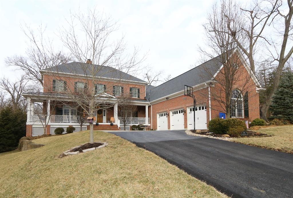 250 Linden Dr Wyoming, OH