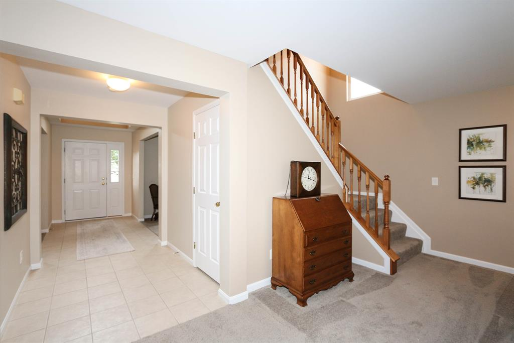 Foyer for 1513 Shirepeak Way Independence, KY 41051