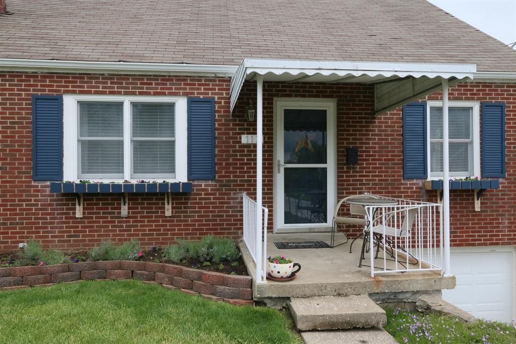 Entrance for 117 Park Ave Elsmere, KY 41018
