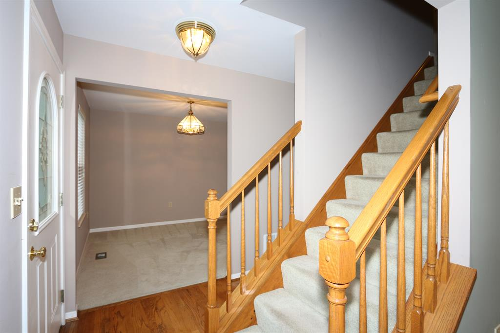 Foyer for 7554 Roxbury Ct Florence, KY 41042