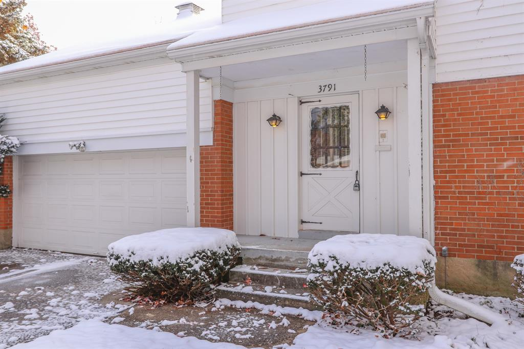 Entrance for 3791 Moorhill Dr Evendale, OH 45241