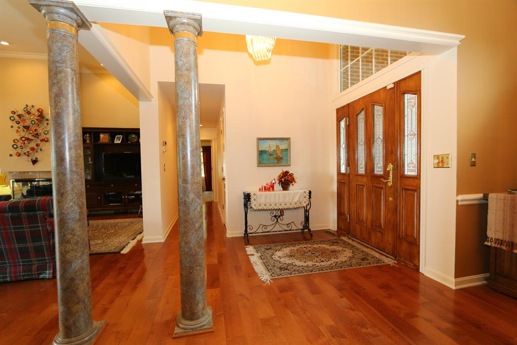 Foyer for 1026 Colina Dr Villa Hills, KY 41017