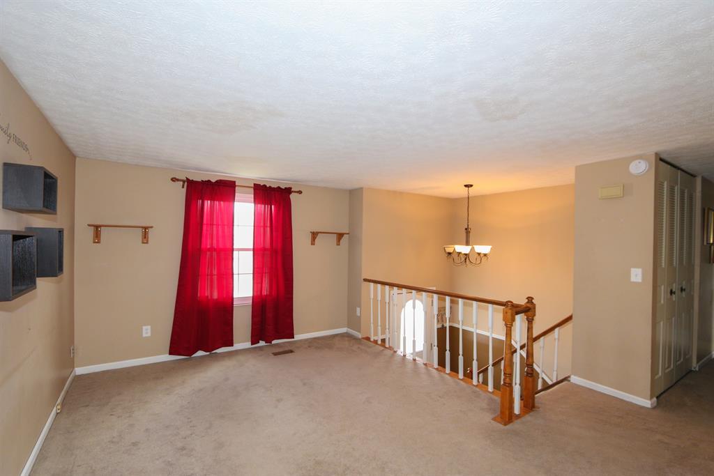 Living Room for 579 Deerfield Dr Harrison, OH 45030