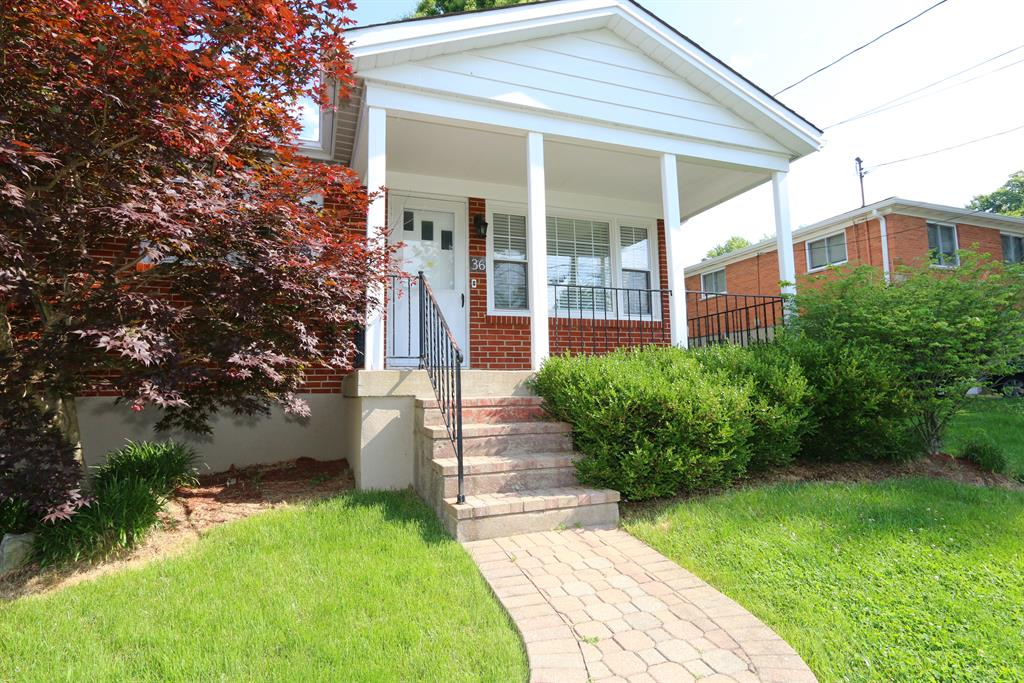 Entrance for 36 Wright Ct Alexandria, KY 41001