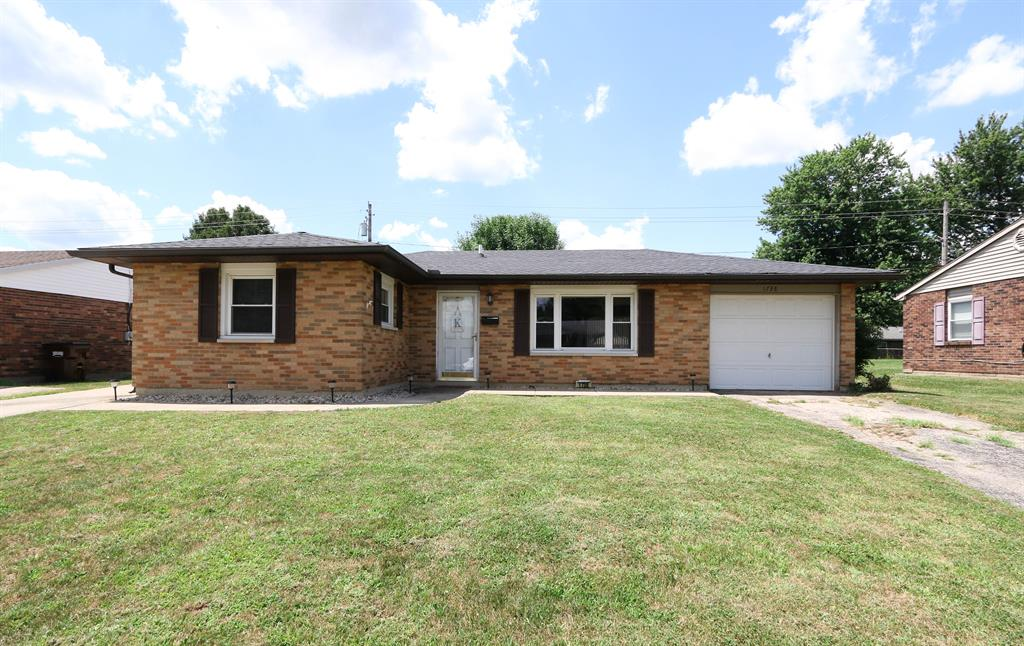 1738 Gayhart Dr Xenia, OH