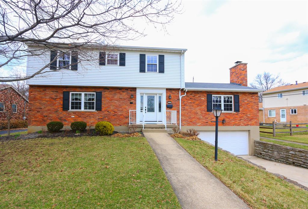1010 Thornfield Ln Finneytown, OH