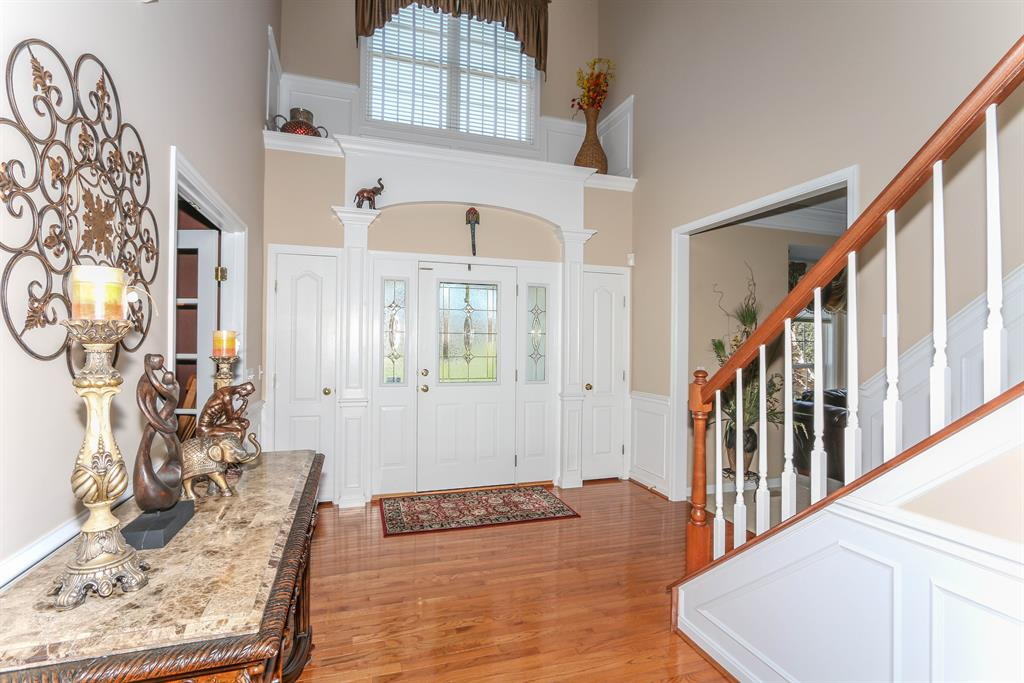Foyer for 1301 Deer Hollow Ct Hebron, KY 41048