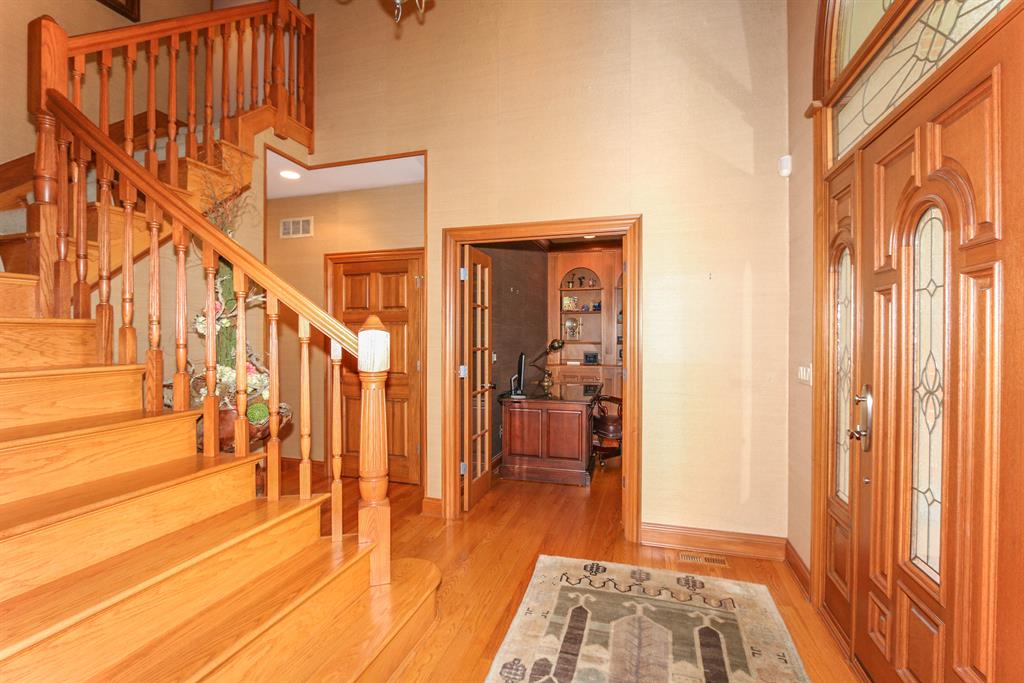 Foyer for 3057 Friars Ln Edgewood, KY 41017