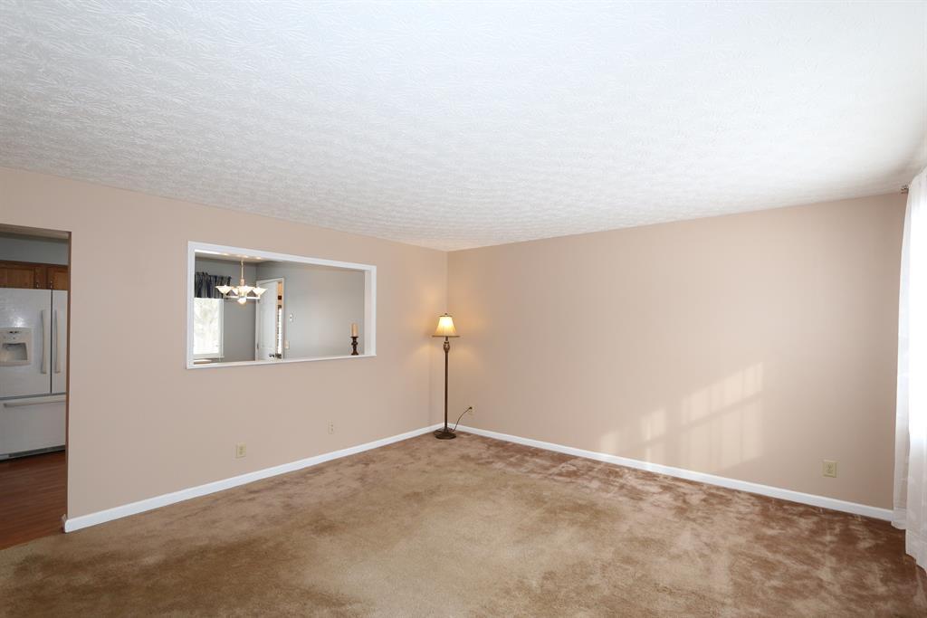 Living Room for 5757 Lake Erie Dr Fairfield, OH 45014