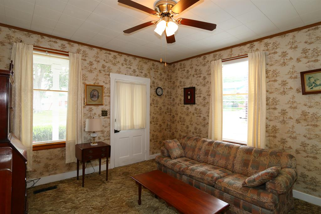 Living Room for 429 Wood St Maysville, KY 41056
