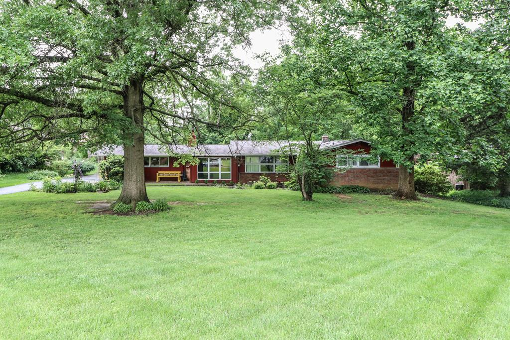 Exterior (Main) for 8721 Woodview Dr Finneytown, OH 45231