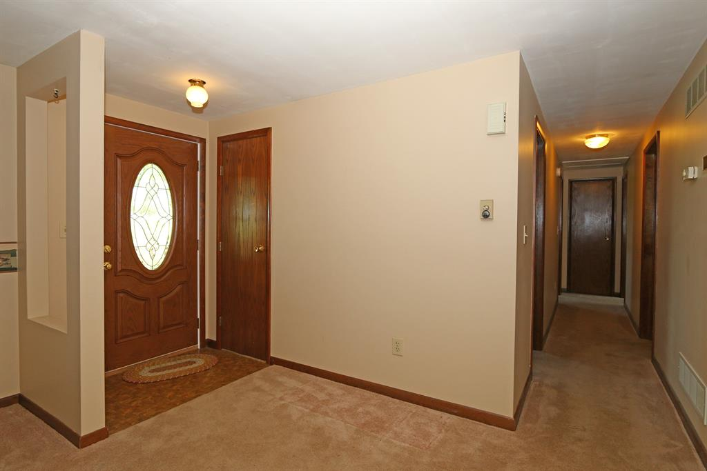 Foyer for 1455 Springport Ferry Rd Perry Park, KY 40363