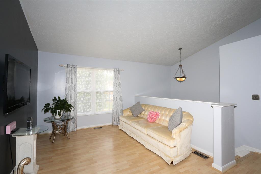 Living Room for 2847 Donjoy Dr Hebron, KY 41048