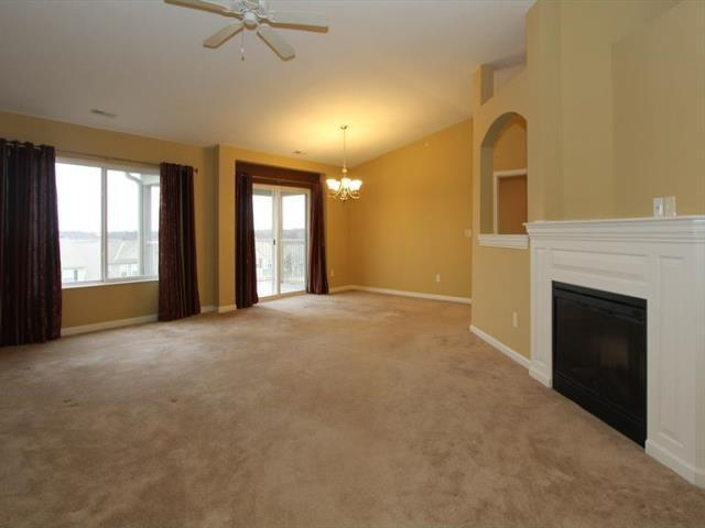 Living Room for 2264 Jackson Ct Florence, KY 41042