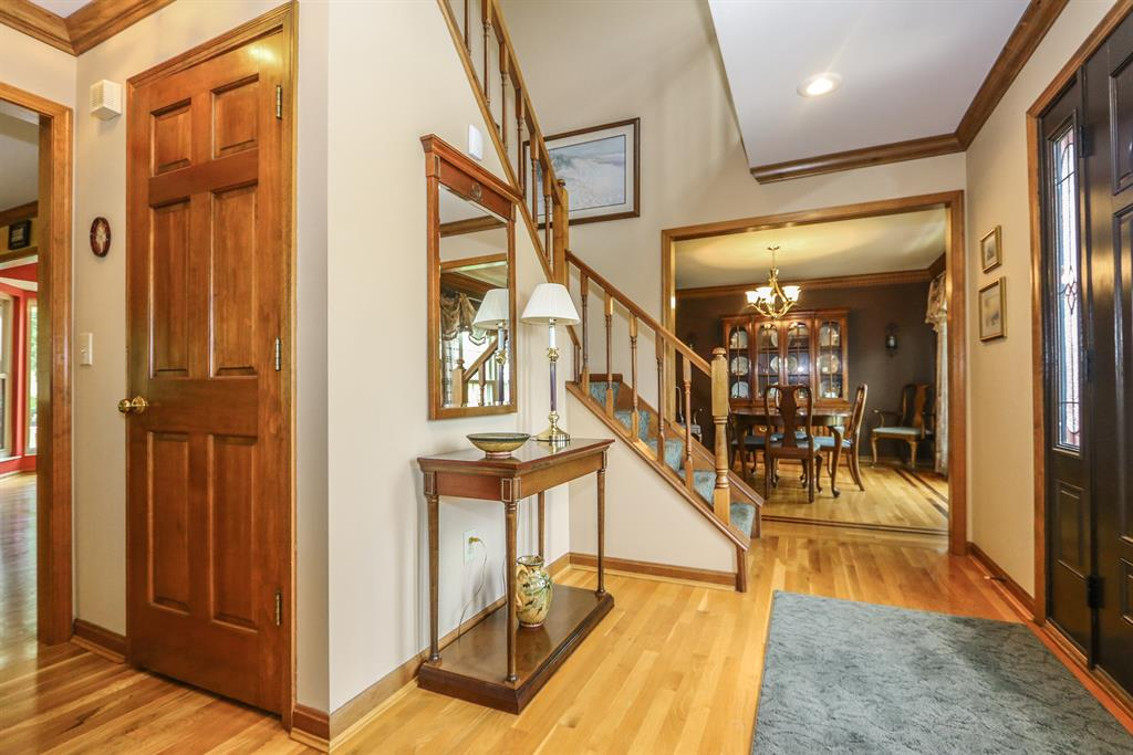Foyer for 9913 Bolingbroke Dr West Chester - East, OH 45241