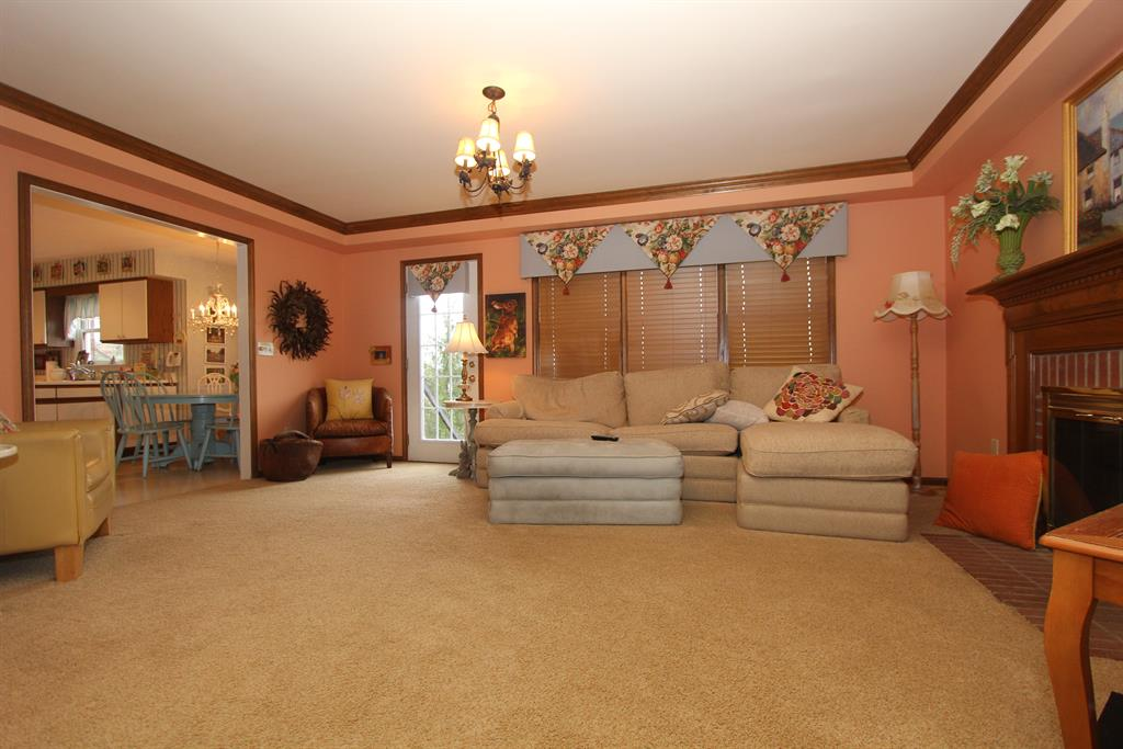 Family Room Image 2 For 2039 Berkshire Club Dr Anderson Twp OH 45230