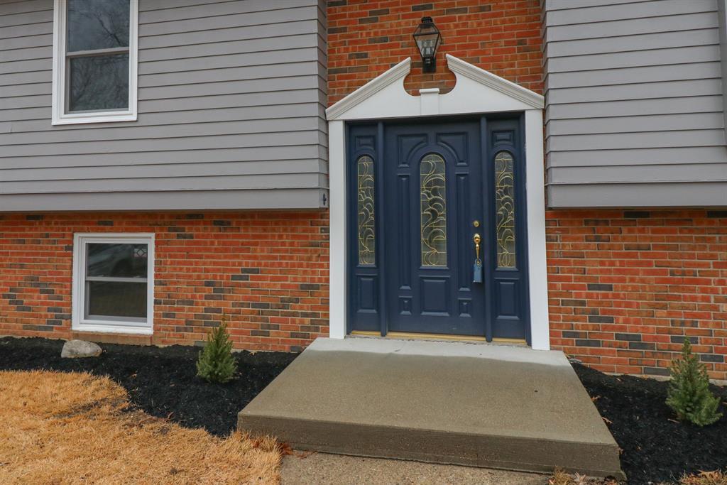 Entrance for 446 White Oak Dr Edgewood, KY 41017