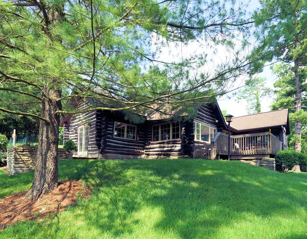 Additional Photo 1 for 7150 Ragland Rd, 2A Anderson Twp., OH 45244