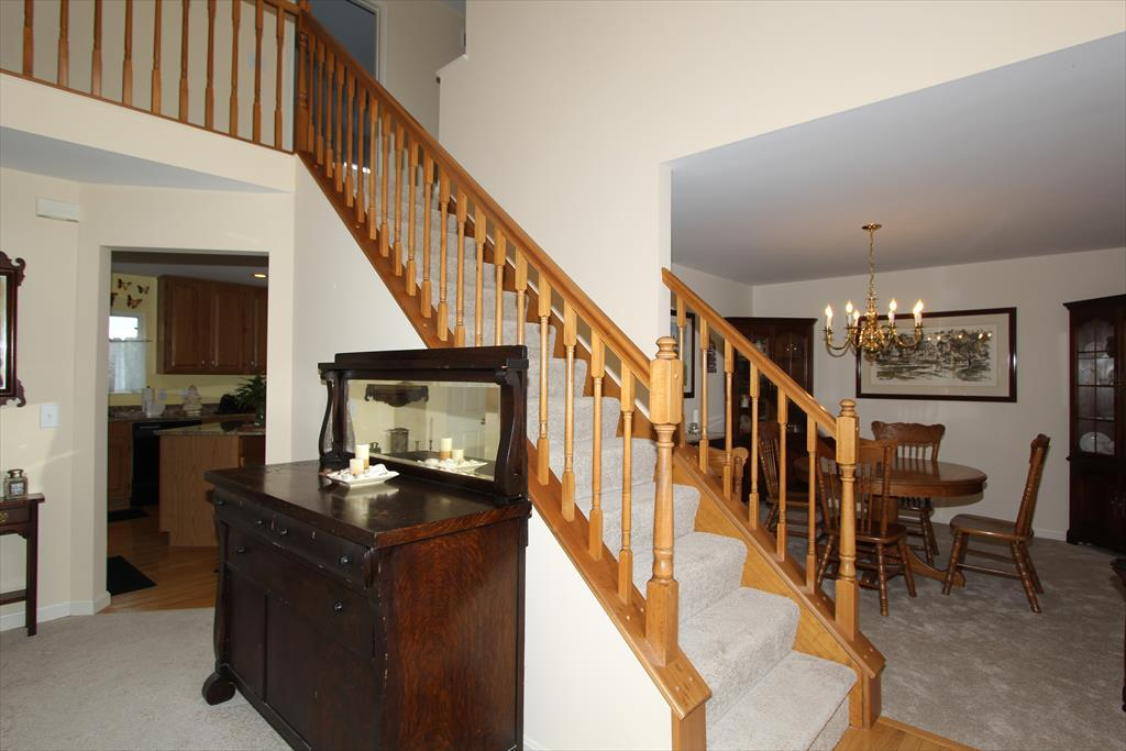 Foyer for 2225 Treetop Ln Hebron, KY 41048