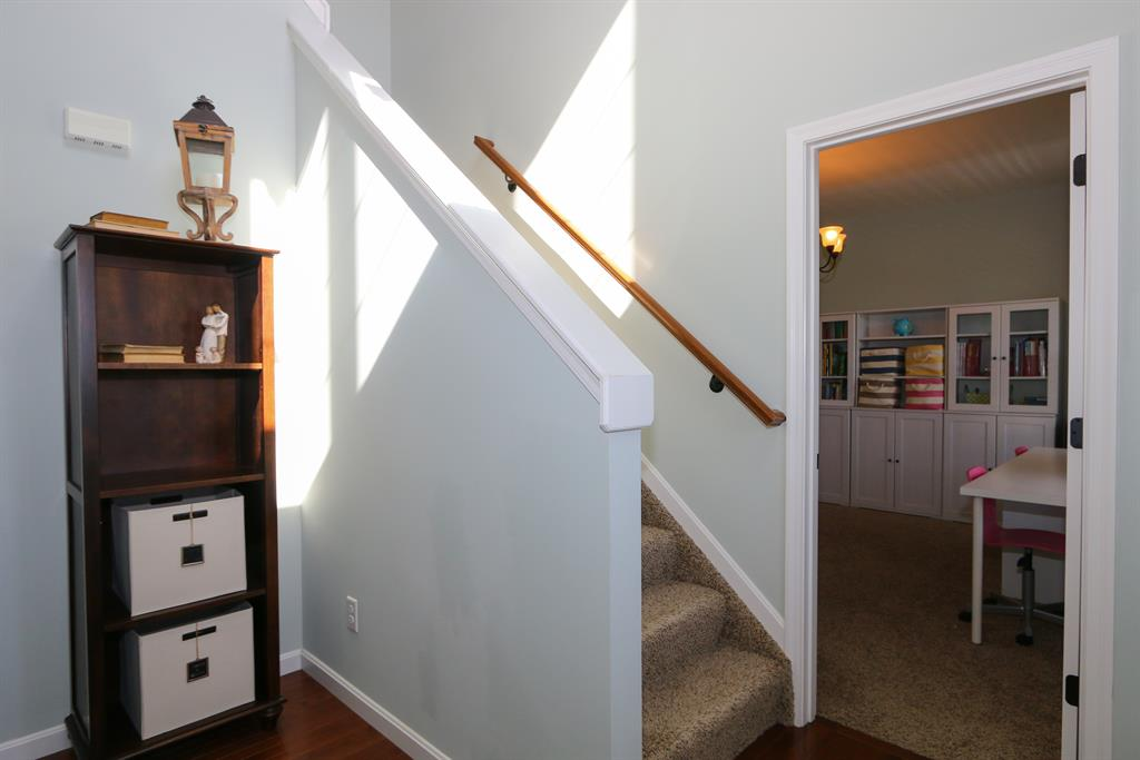 Foyer for 2634 Leah Dr Bright, IN 47025