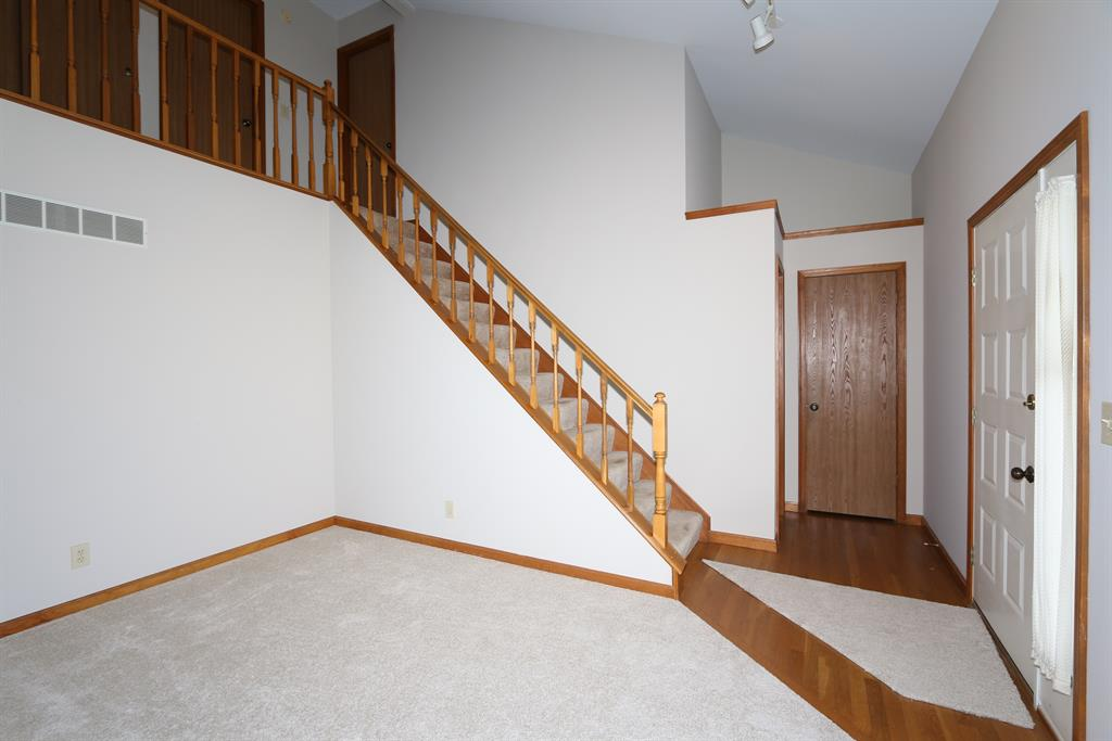 Foyer for 753 Timber Ln Independence, KY 41051