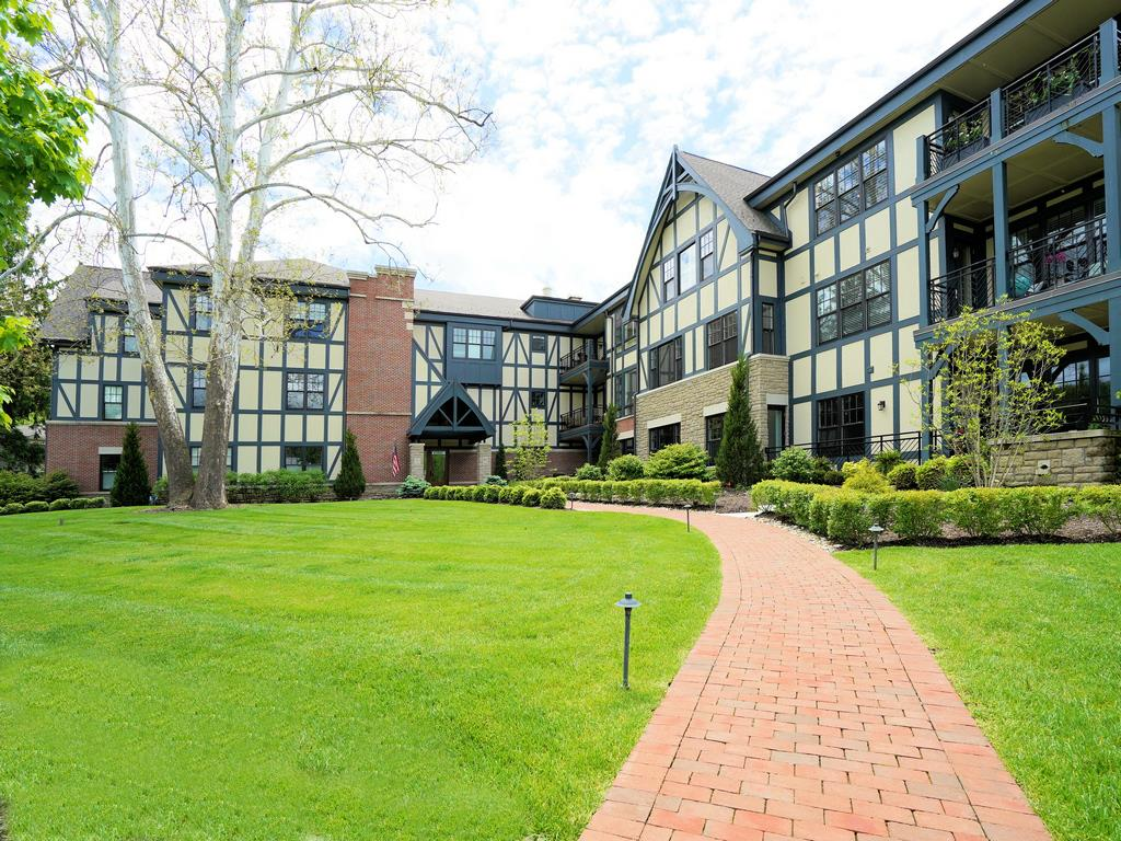 6901 Murray Ave #205 Mariemont, OH