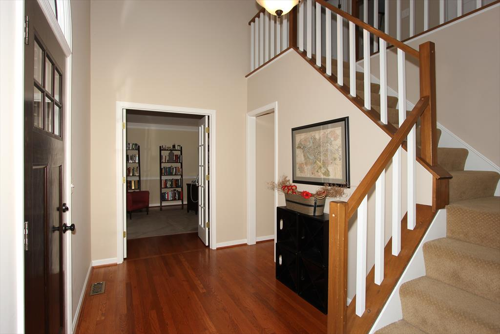 Foyer for 756 Foresthill Dr Villa Hills, KY 41017