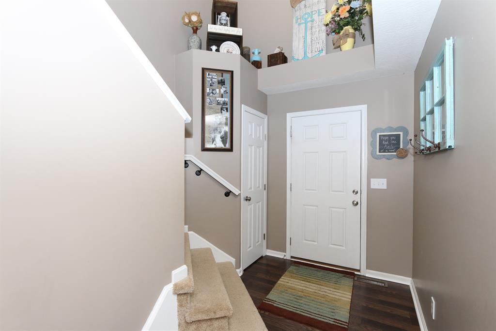 Foyer for 9857 Cedar Cove Alexandria, KY 41001